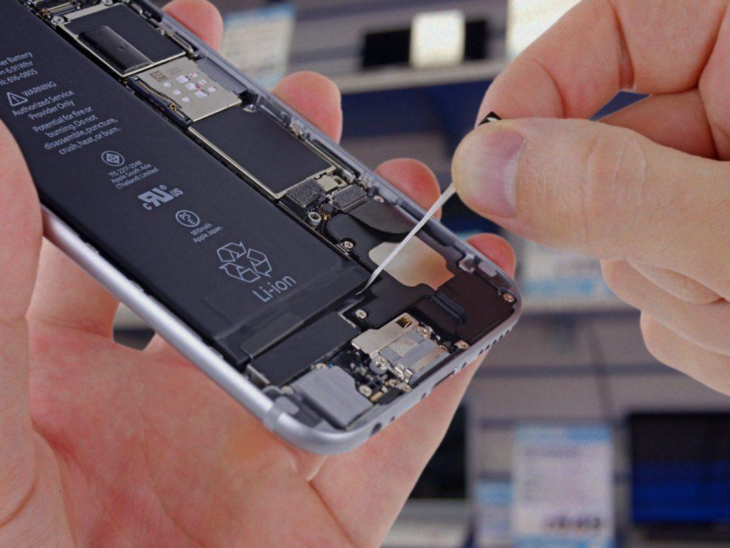 نکاتی که باید در تعویض باتری موبایل به آن ها توجه شود!