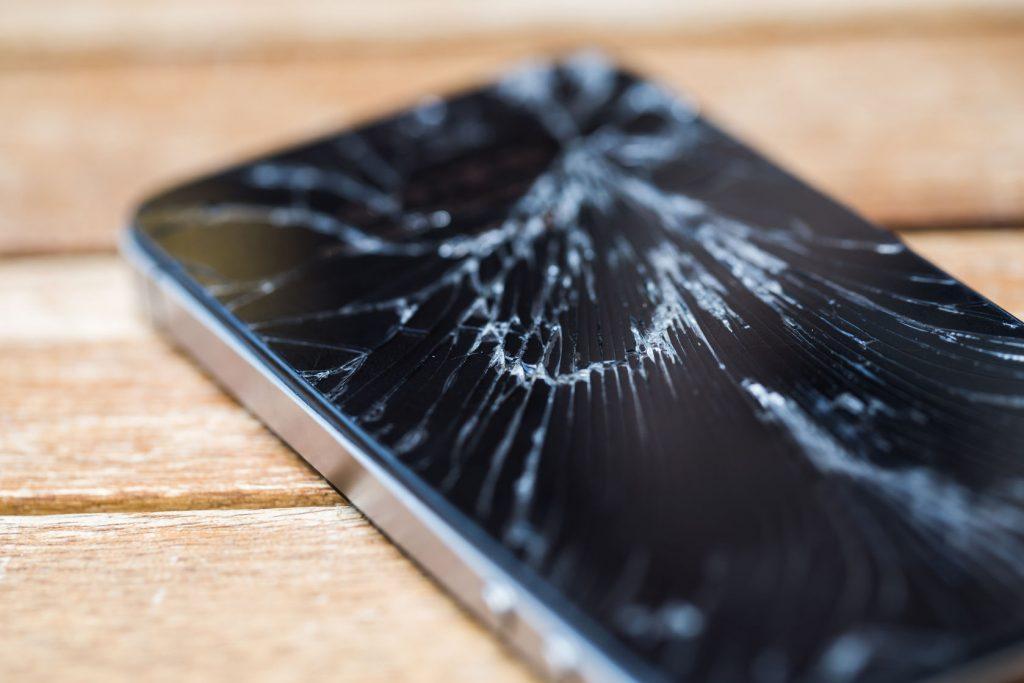 نکات مهم در تعمیر ال سی دی آیفون اپل