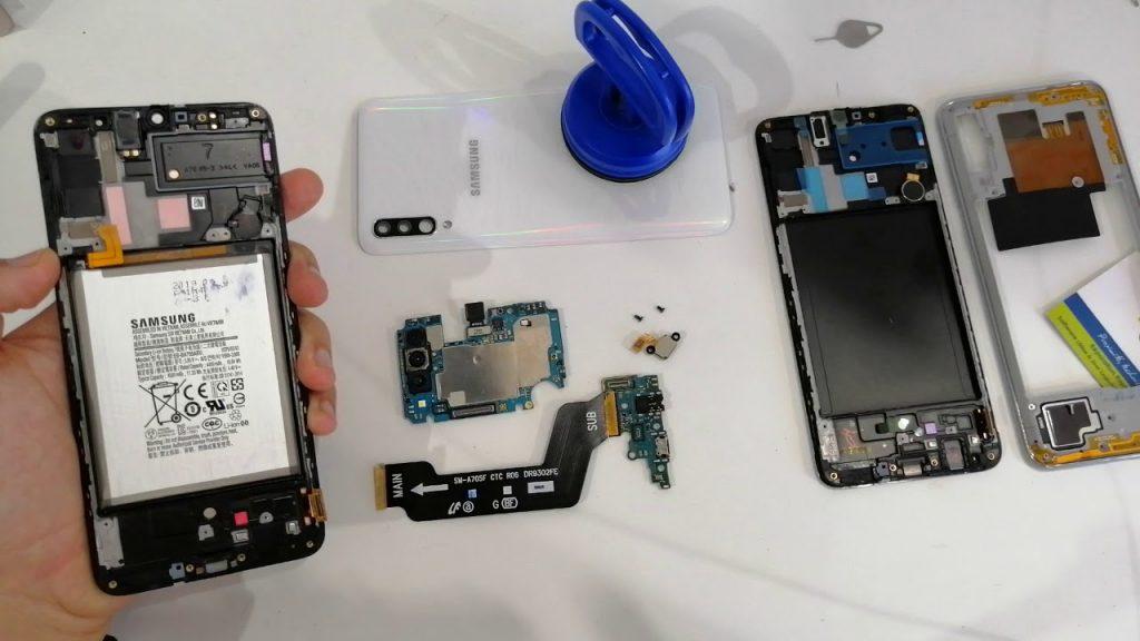 تعویض ال سی دی گوشی A70 با کمترین هزینه